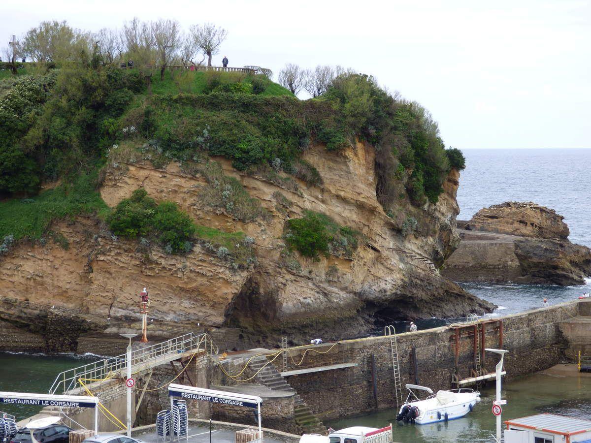 Le vieux port de Biarritz.