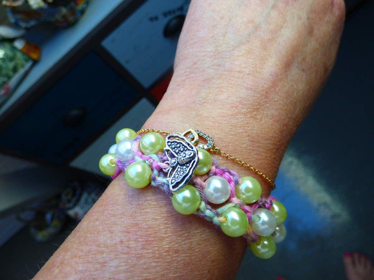 Bracelet perles et macramé.