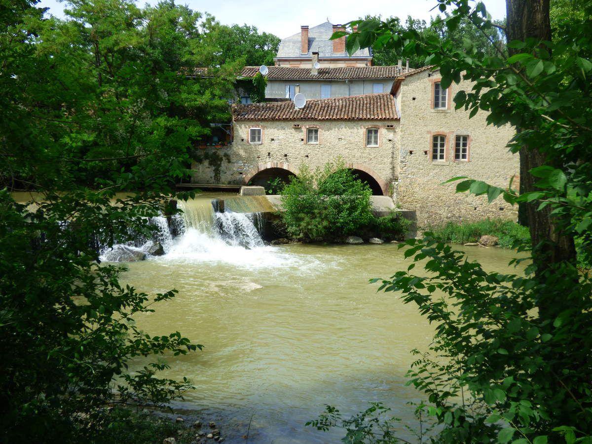 Un ancien moulin à eaux sur le Sor.