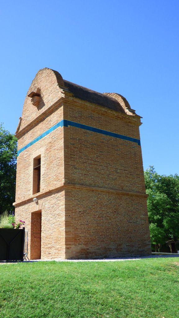 Le pigeonnier du Castela à Saint-Sulpice dans le Tarn.