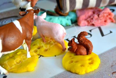 Pâte à modeler maison aux délicieux parfums de vanille, amande et cannelle