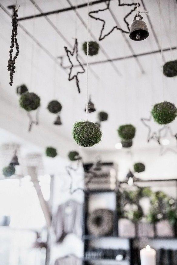 decoration de noel boule a suspendre en mousse
