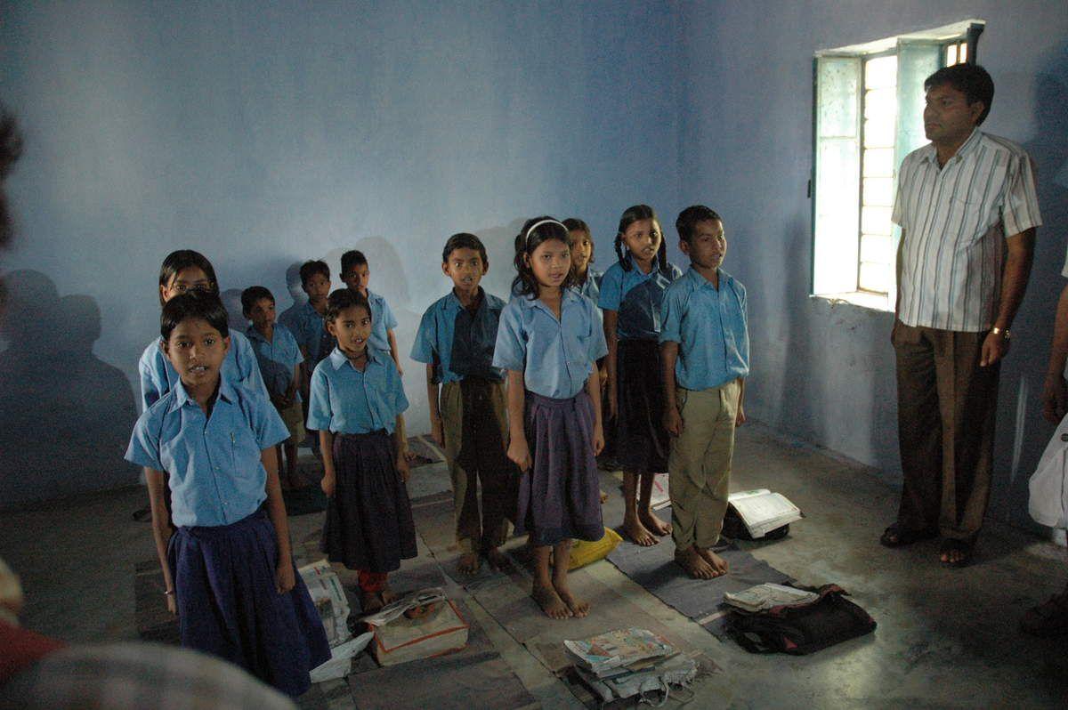 """Ecole de village en Inde du nord """"Le courage d'apprendre, la foi pour enseigner"""""""