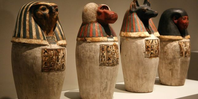 urne funeraire egyptienne