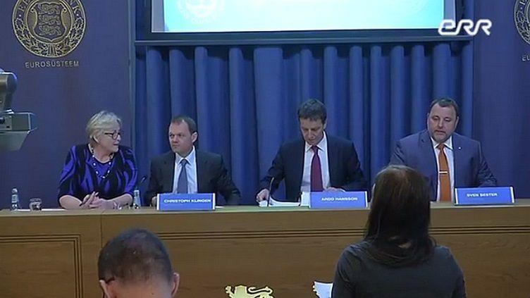 Conférence de presse à Tallinn en présence du chef de la mission du FMI, M. Christoph Klingen, du président de la Banque d'Estonie, M. Ardo Hansson et du ministre des finances, M. Sven Sester
