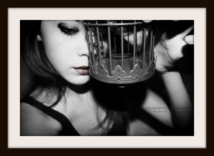 "© Sophie Tith. Photo Deviantart ""My Body is a Cage"" 12/09/2011"