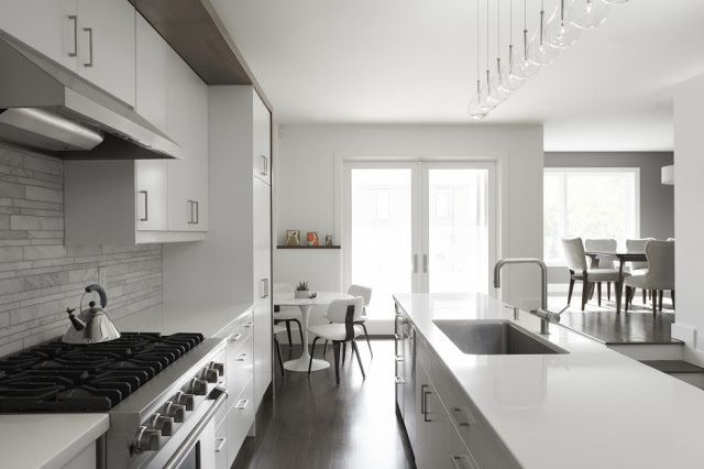 Exemple de petite maison moderne l 39 int rieur minimaliste for Photo interieur de maison moderne