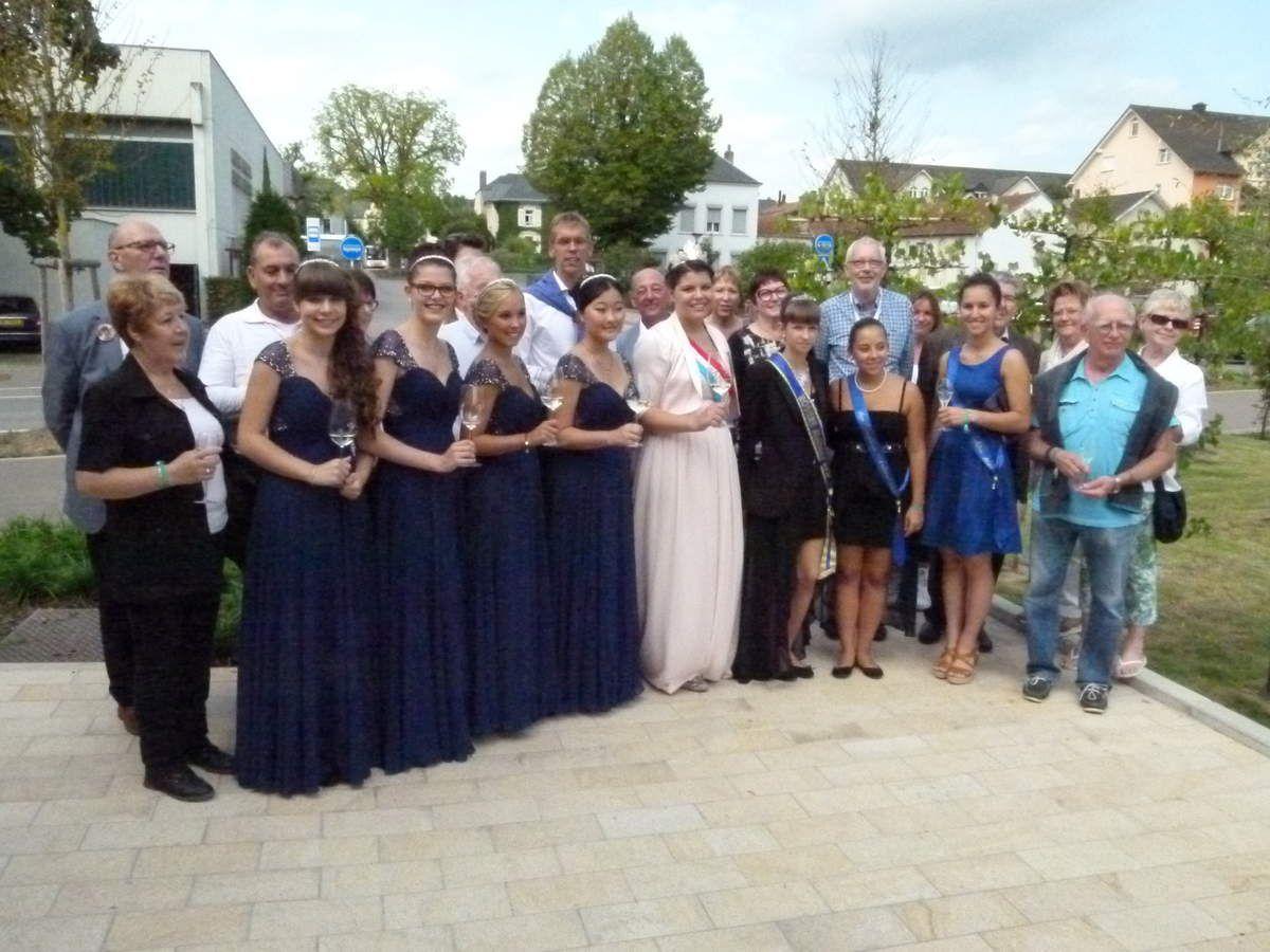 La délégation aubièroise reçue par le Bourgmestre et Roxanne reine du Vin