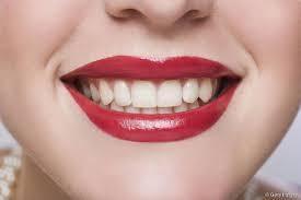 Le baume Nourrissant Yves Rocher senteur fraise- The Yves Rocher Strawberry  Nourishing Lip Balm