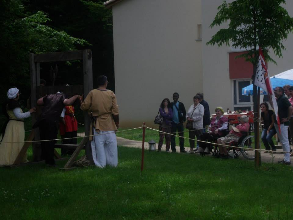 Animatino de la fête de la MAS/FAM de St-Julien-l'Ars - Juin 2013