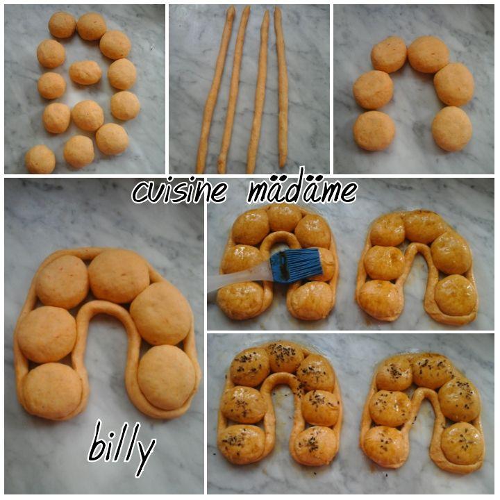 pains piquante(pain à l'harissa) خبز بالهريسة