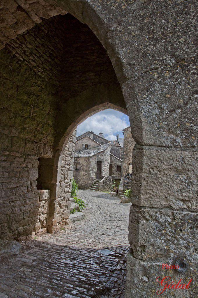 Porte Nord. Portal d'Amoun.