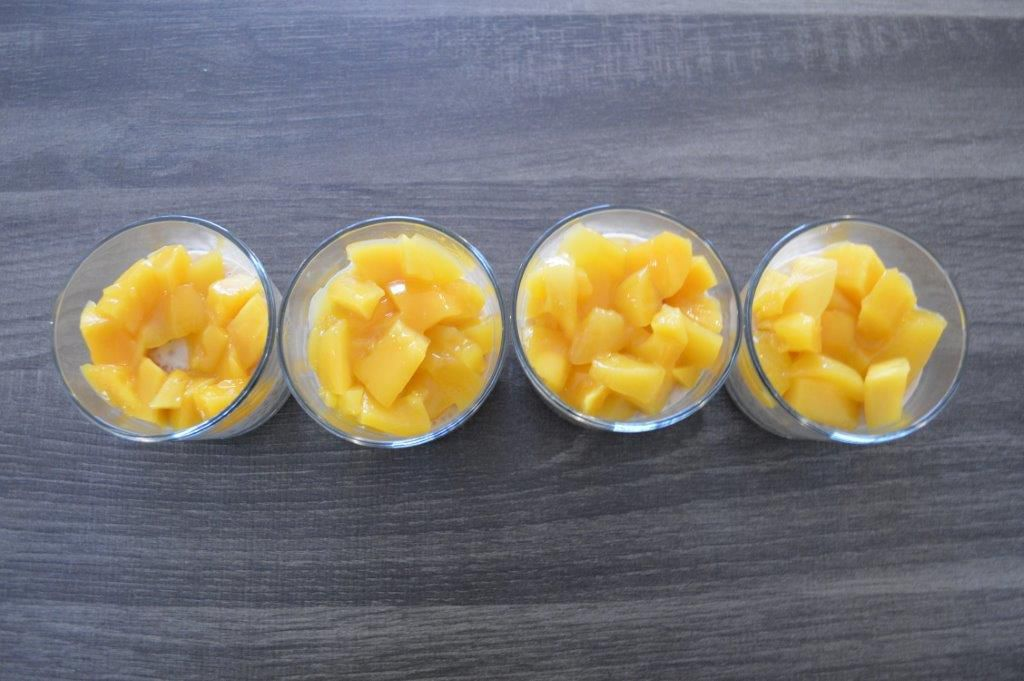 Verrines de perles du Japon au lait de coco et mangue