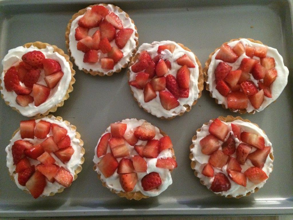 Tartelettes aux fraises - chantilly au Yuzu