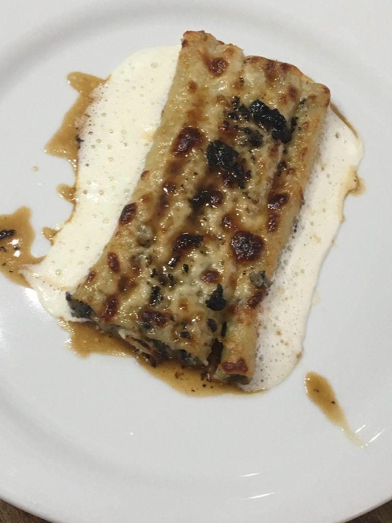 Macaronis farcis à la truffe noire, artichaut et foie gras