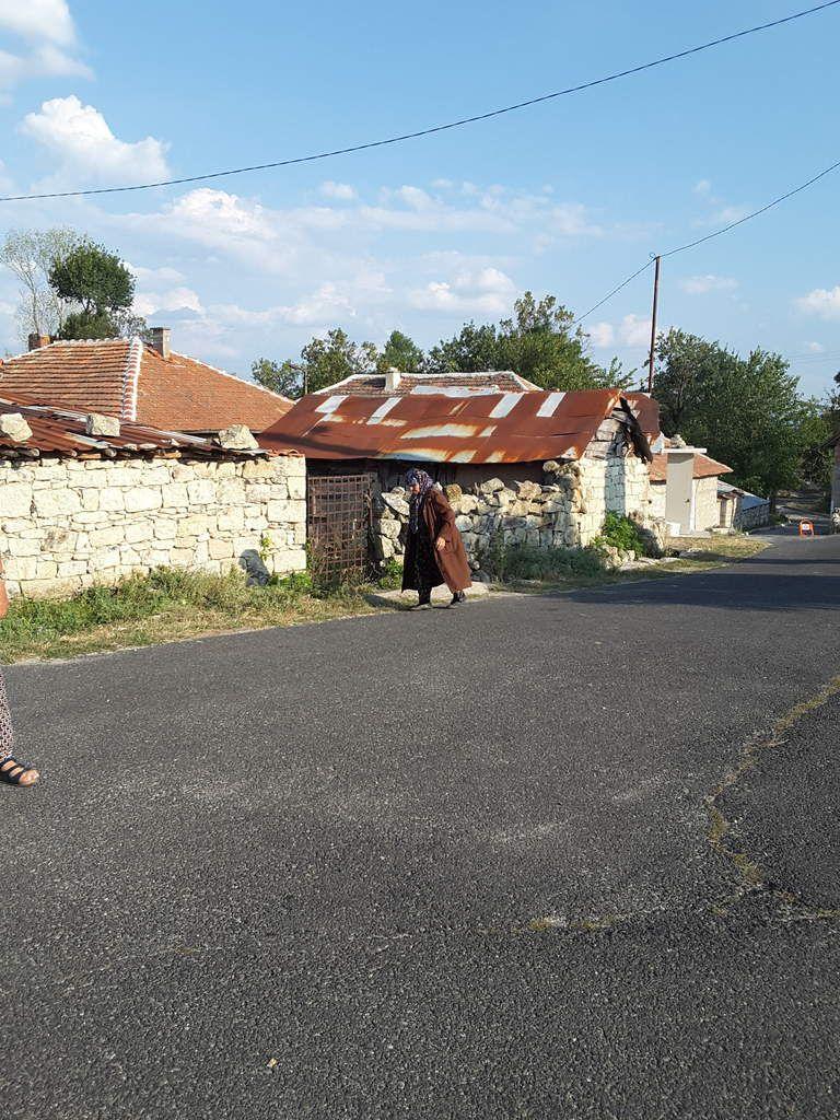 Petit village, dans le sud des Rhodopes bulgares,  où l'on sent l'influence de la Turquie, toute proche.