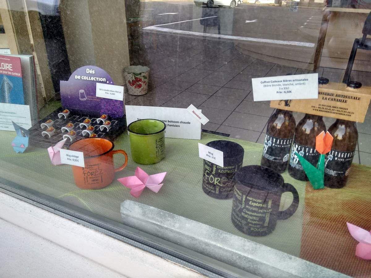 おりがみ : Les origami d'IppikiCat dans les vitrines de l'Office de Tourisme du Pays d'Astrée