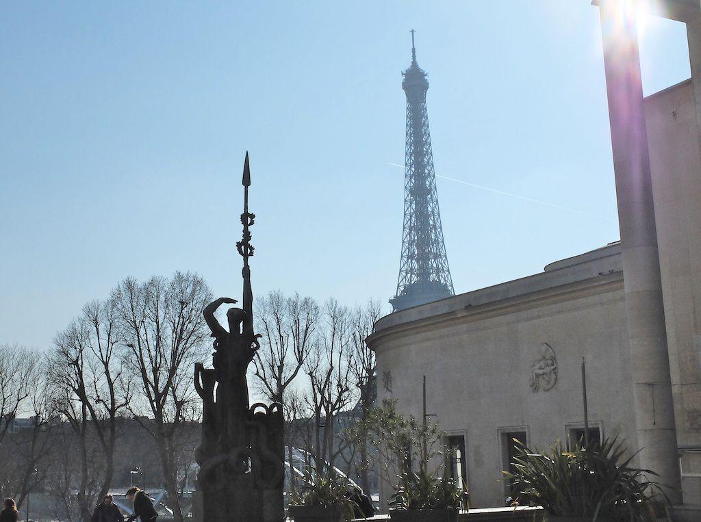 palais de Tokyo-vue tour Eiffel.