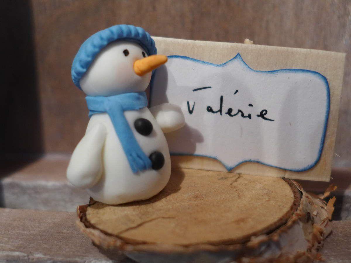 Pour Noël nous étions 25, j'avais donc fait 12 bonhommes de neige (pour les filles), 12 pères noël (pour les garçons) et un petit ange pour une petite fille dénommée Ange