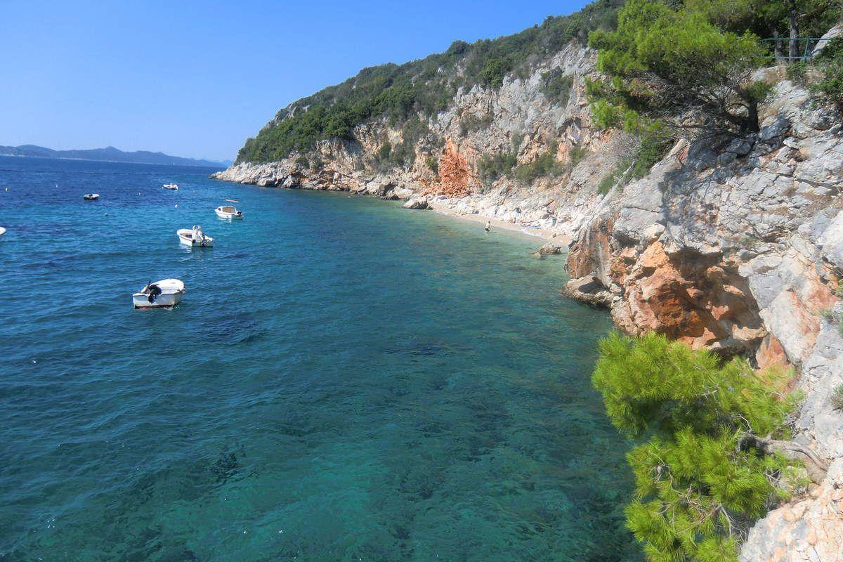 la plage aux eaux turquoises