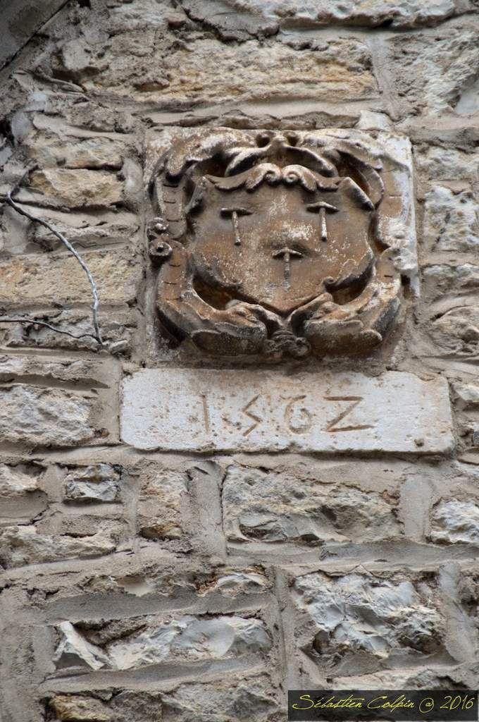 Martel (en occitan languedocien Martèl) est une commune française, située dans le département du Lot en région Languedoc-Roussillon-Midi-Pyrénées. Aussi appelée la Ville aux 7 Tours, Martel est une petite cité médiévale fondée au XI ème siècle par les vicomtes de Turenne, qui fut durant plus de cinq siècles la capitale de la partie quercynoise de la vicomté de Turenne.  Martel comptait 1665 habitants en 2012. Chef-lieu d'un des 17 cantons du département du Lot redéfinis en janvier 2014, elle a rejoint au 1er janvier 2015 la communauté de communes Causses et Vallées de la Dordogne, qui regroupe les anciennes communautés de communes du pays de Martel, du pays du Haut-Quercy-Dordogne, du pays de Souillac-Rocamadour, du pays de Gramat, du pays de Padirac et du pays de Saint-Céré, pour une population totale de 37 462 habitants répartie sur 62 communes.  Ses habitants sont appelés les Martelais(es).