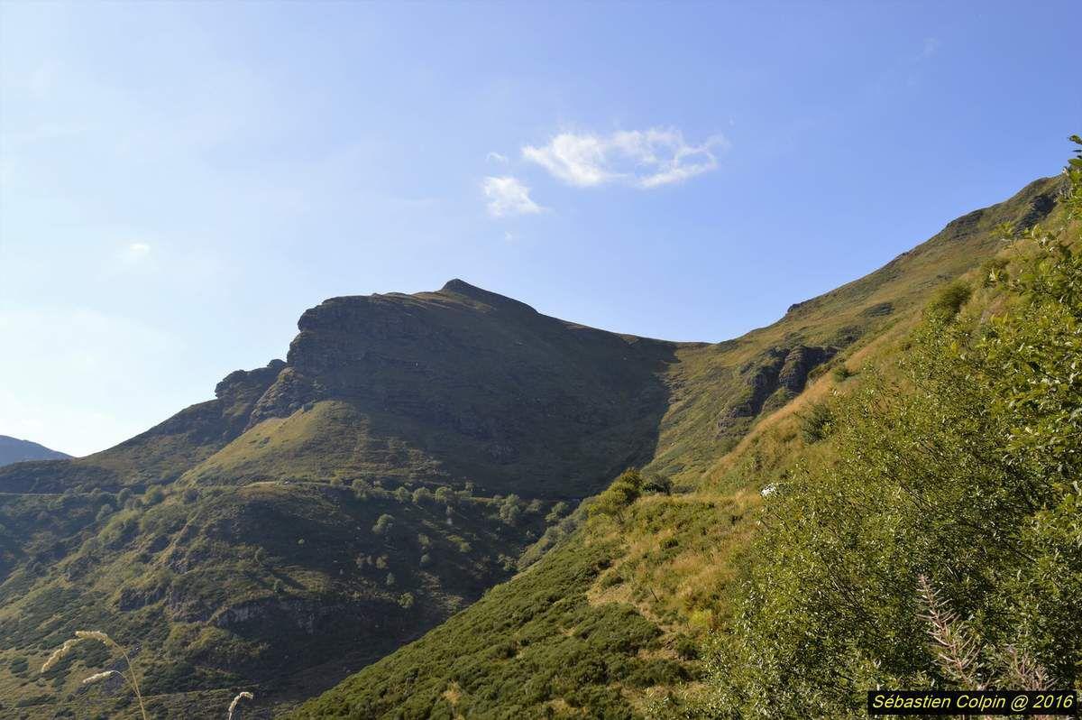 Excursion photos dans le Cantal de Crandelles au Puy Mary en passant par Mandailles Saint Julien...