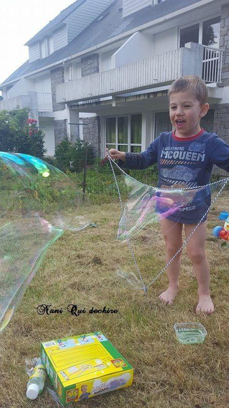 Activité - faire des bulles géantes avec le kit SES CREATIVE
