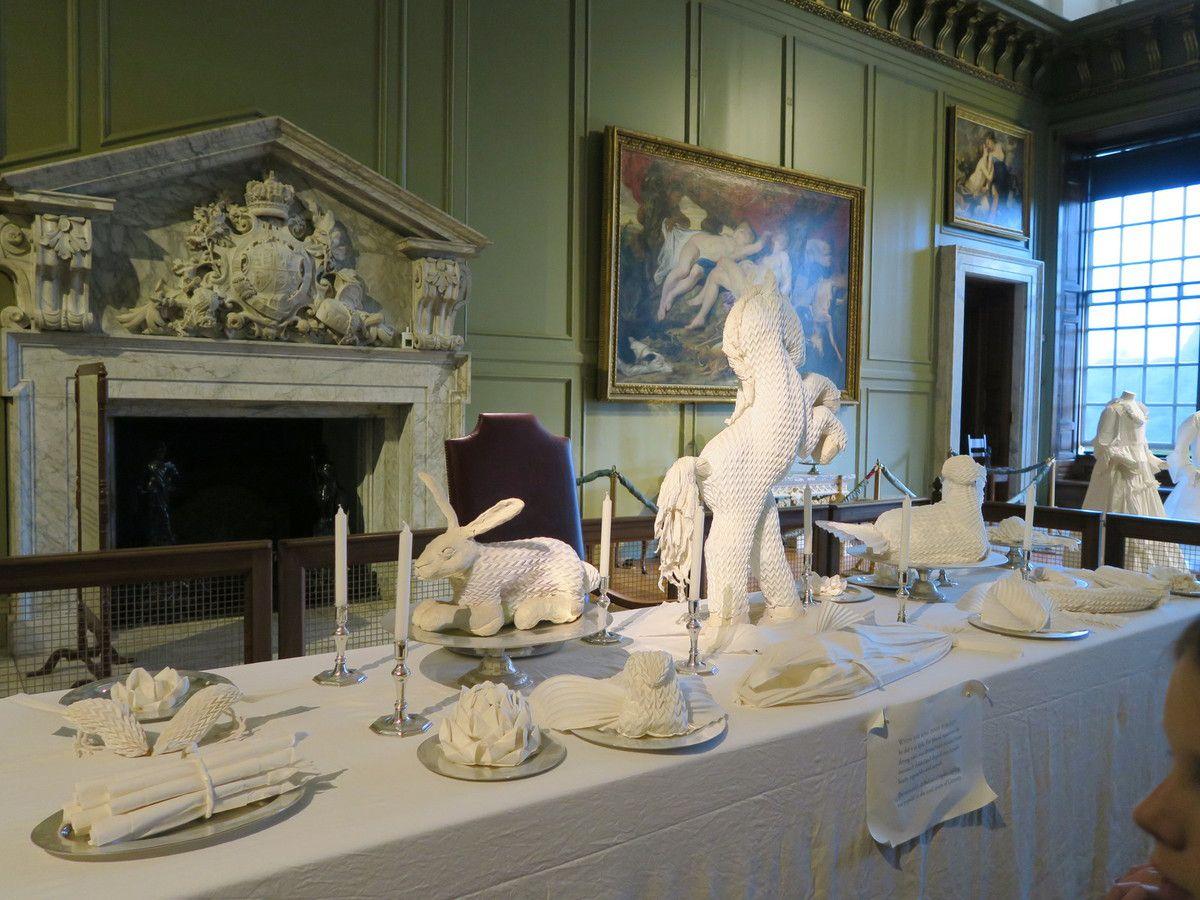 De Teddington, le long de la Tamise, à Hampton Court Palace