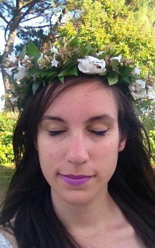 Tenue de jour (grossesse) avec couronne de fleur