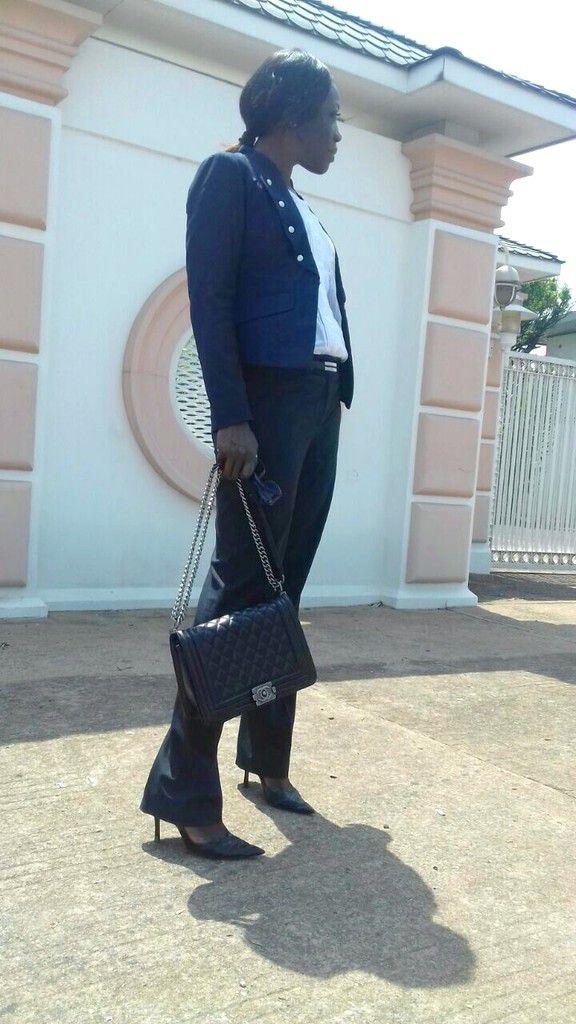 Veste (Vero Moda) - Blouse (H&M) - Pantalon (Next) - Sac (Chanel)