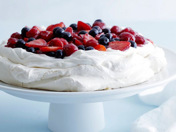 # 70 Dommage - http://www.foodnetwork.com/recipes/ina-garten/mixed-berry-pavlova-recipe.html