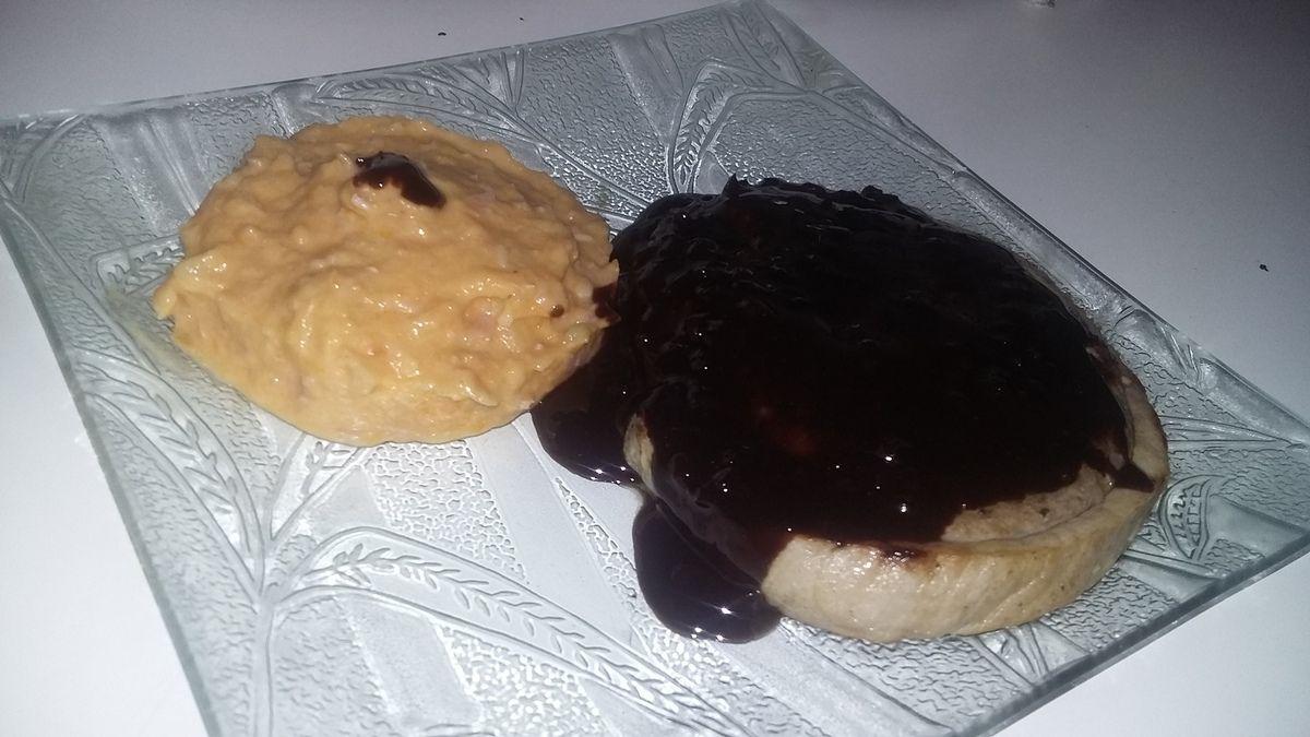 Roulade farci de porc sauce au chocolat et purée pomme de terre courge