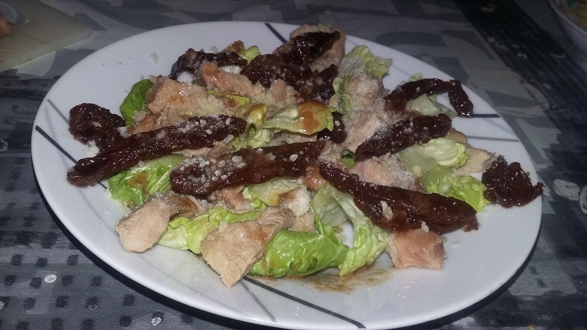 Salade d'echine de porc tomates confites parmesan