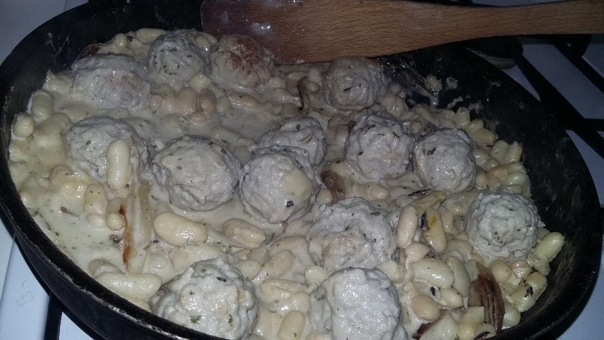 Haricots au boulettes et a la crème
