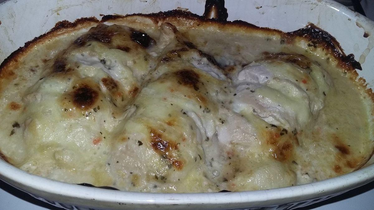 Blancs de dinde farci au fromages gratiné a la sauce raifort