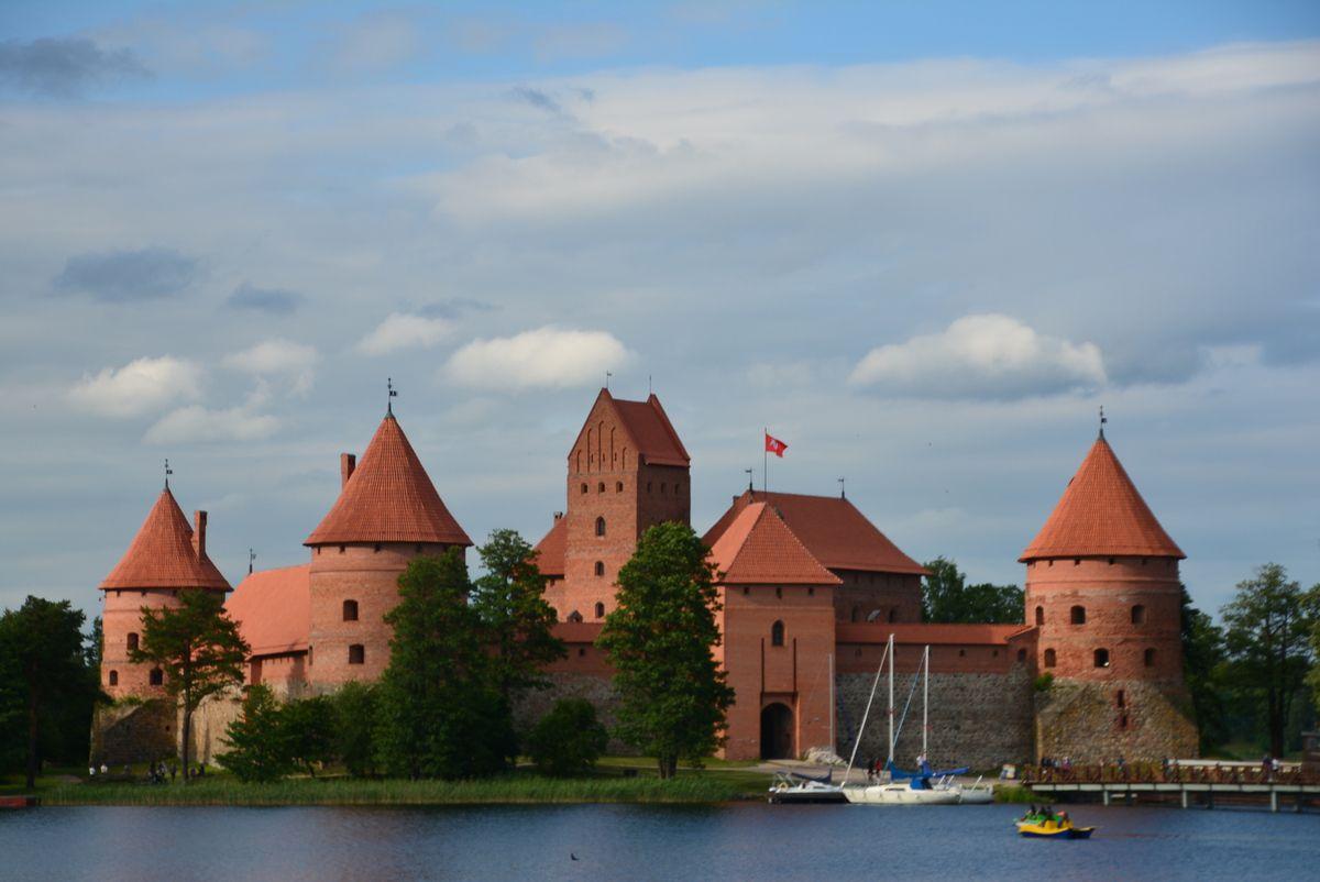 Le château de Trakai, situé sur un presque île