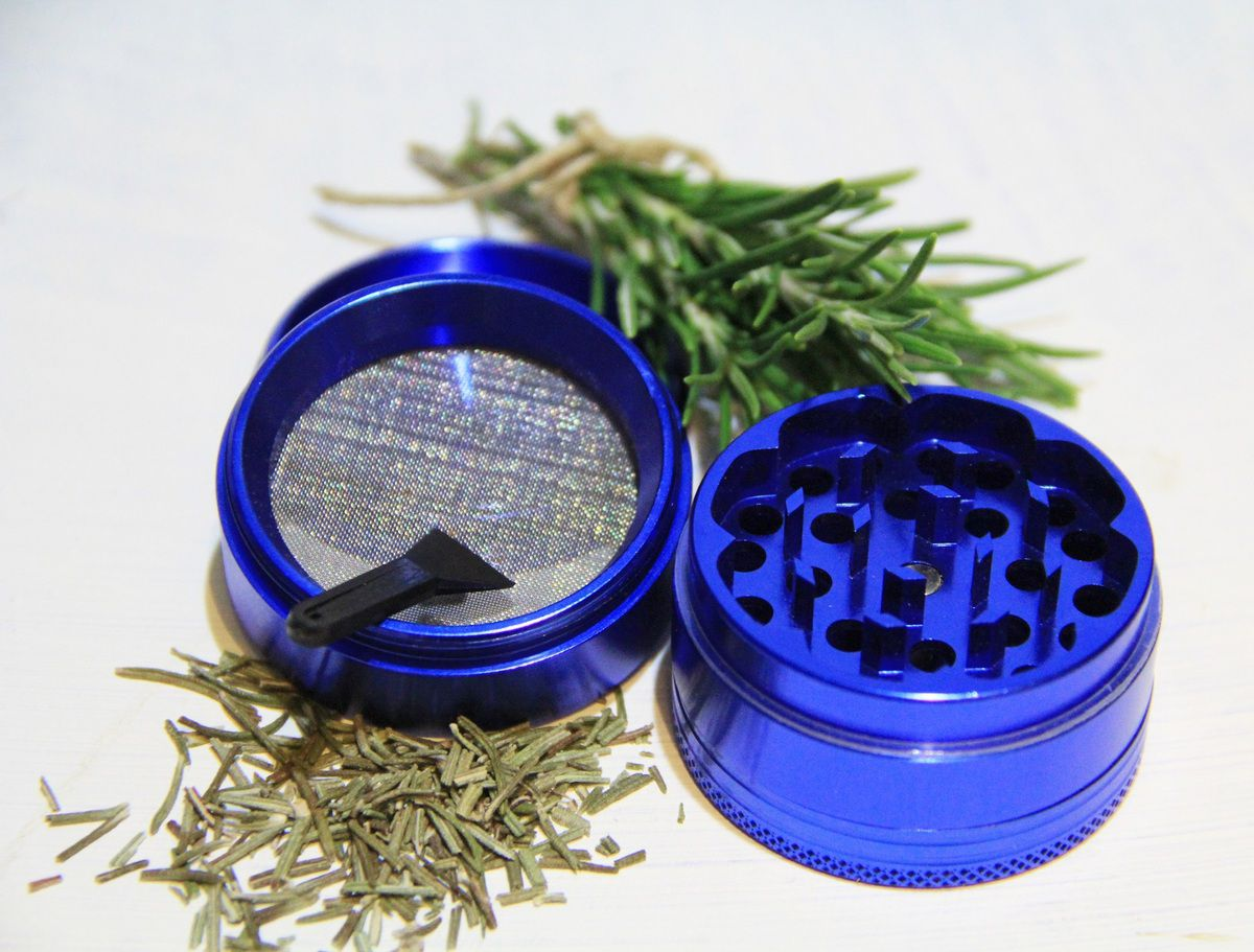 blue herb grinder looking for a great little gadget to grind all