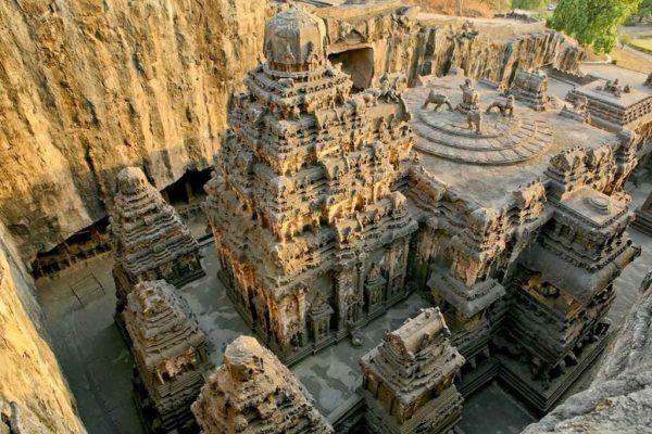 Découverte d'un temple étonnant