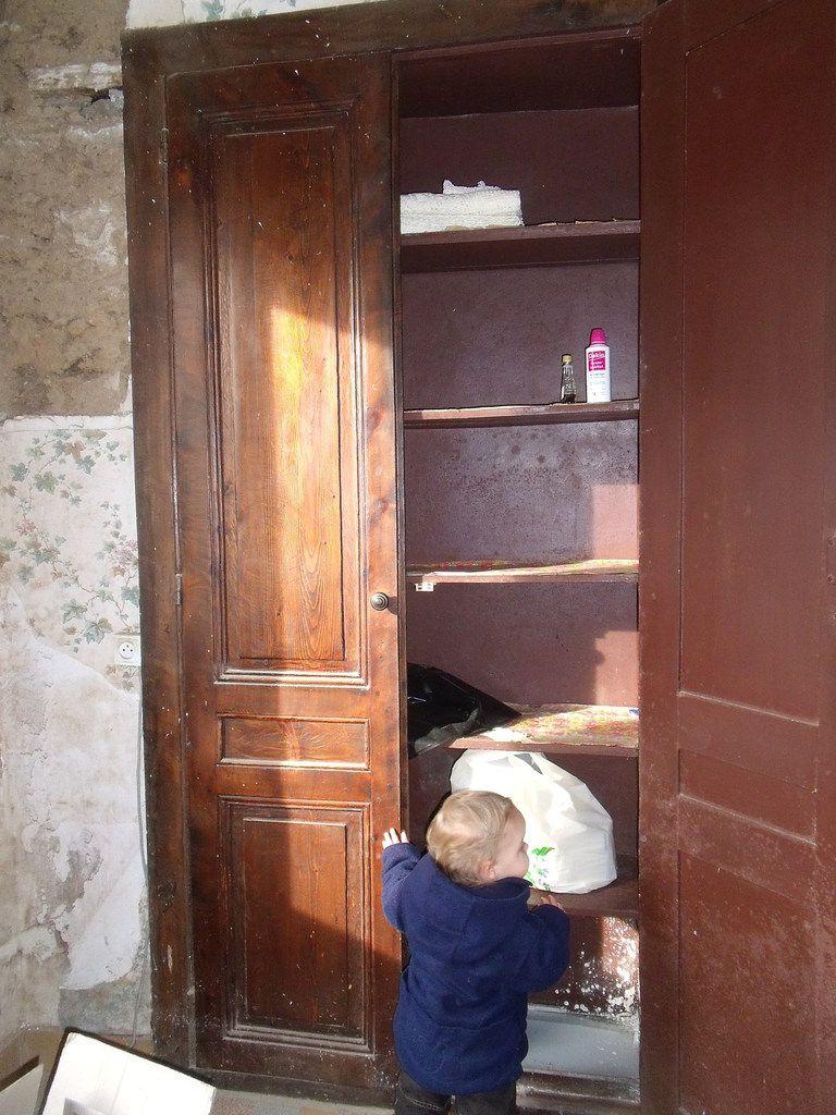 Notre maison les petites folies de val rie for Bureau dans un placard