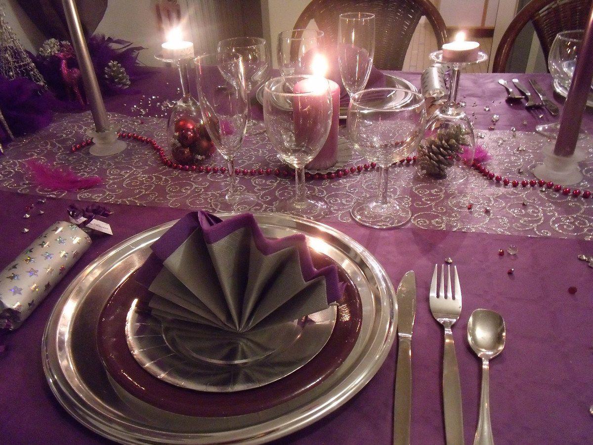 Et voil une table pour le nouvel an en prune et argent j for Table nouvel an