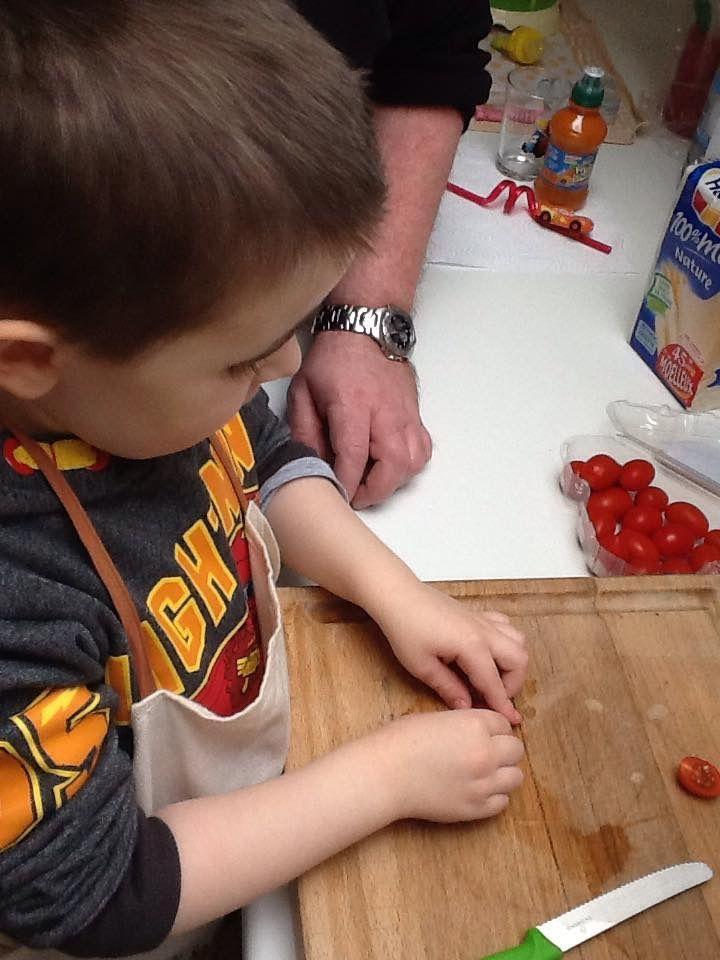 Cœurs de knackis et tomates en cœurs