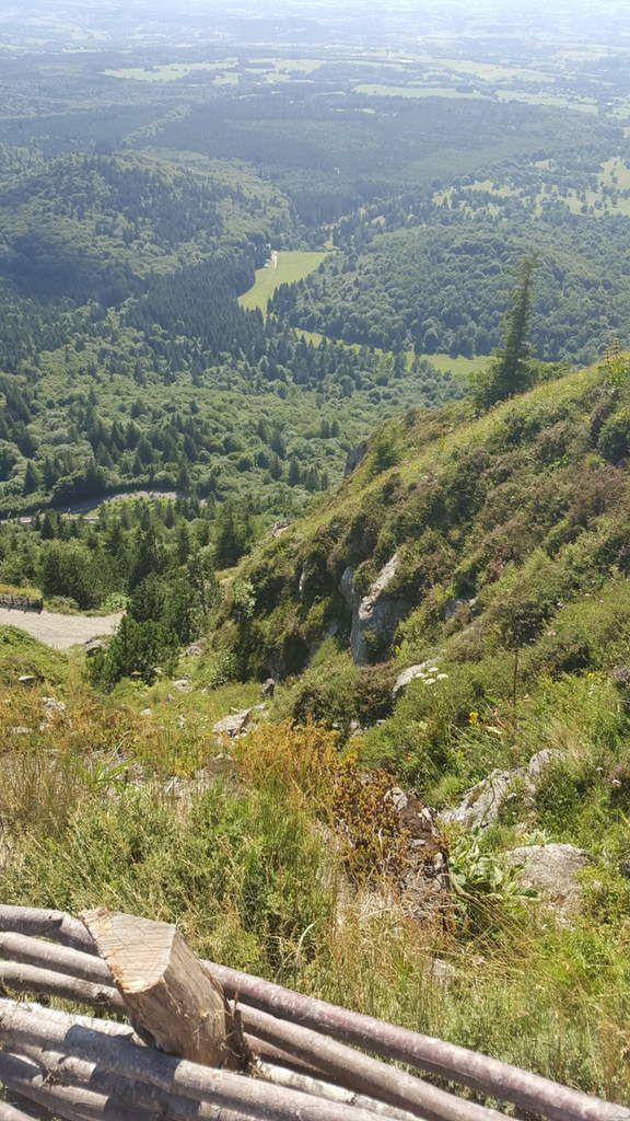 Le Puy de Dôme par le Panoramique des Dômes et le chemin des muletiers