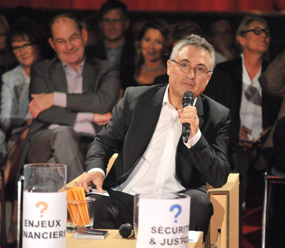 présentation par Emmanuel GILLES de la LONDE du déroulé du débat et des thèmes retenus : croissance, finances et sécurité