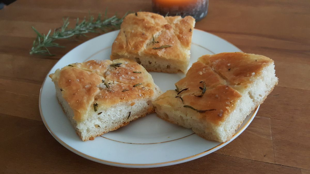 focaccia au romarin thermomix les recettes sympatoches. Black Bedroom Furniture Sets. Home Design Ideas