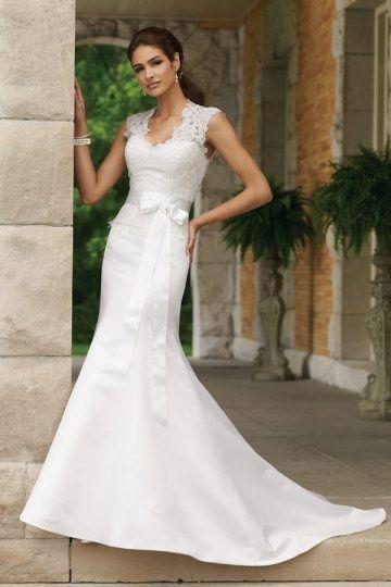 Robe de mariée en dentelle sirène à traîne Court.jpg