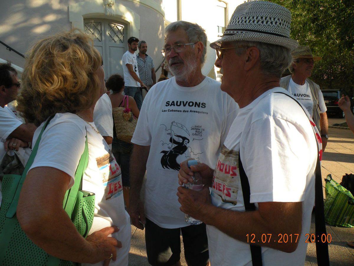 Soutien du Maire et du Conseil Municipal de Frontignan aux &quot&#x3B;cabaniers&quot&#x3B; des Aresquiers