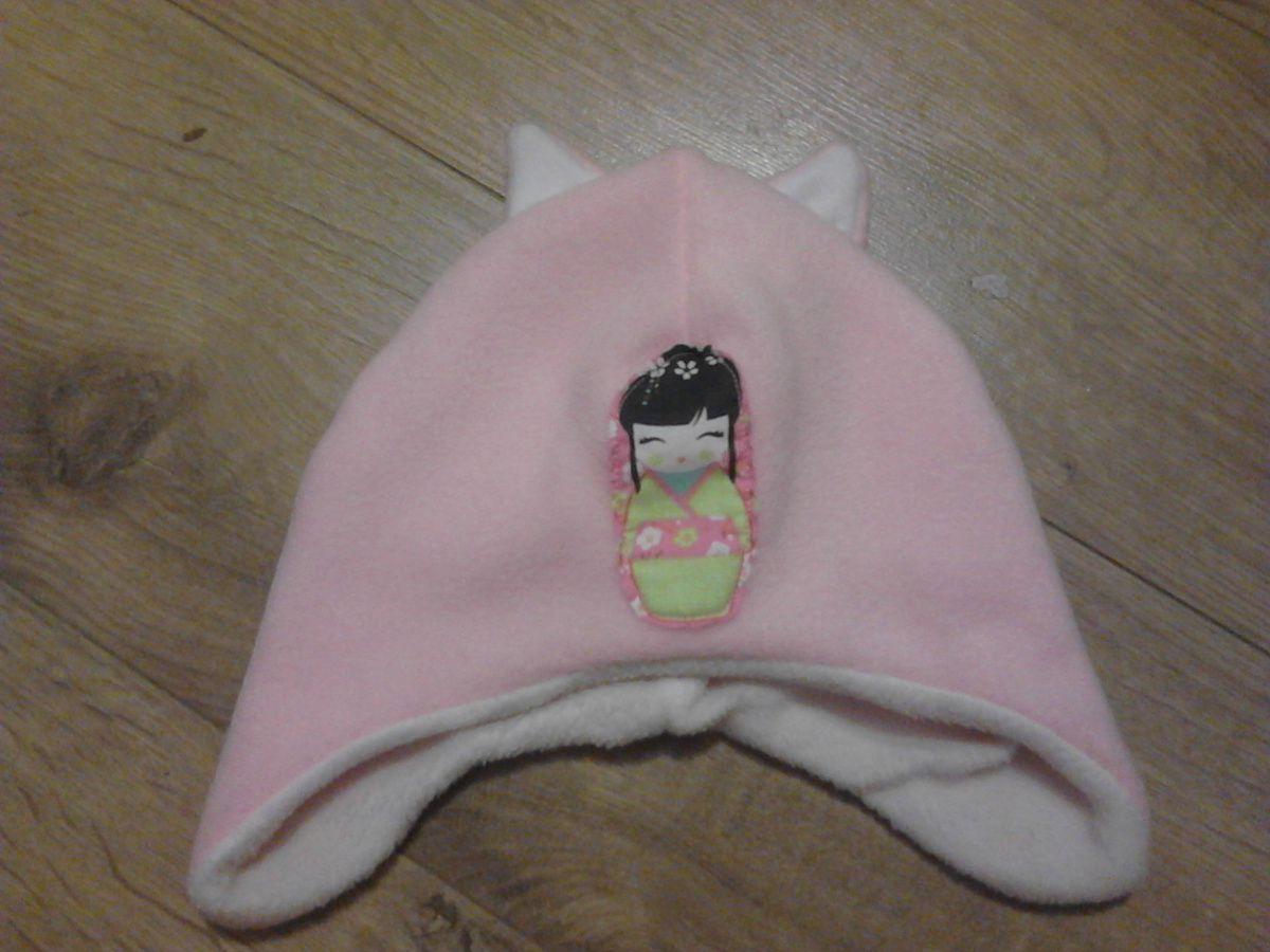 l'ensemble de Lilou, bonnet oreilles de chat rose(polaire dehors et dedans)