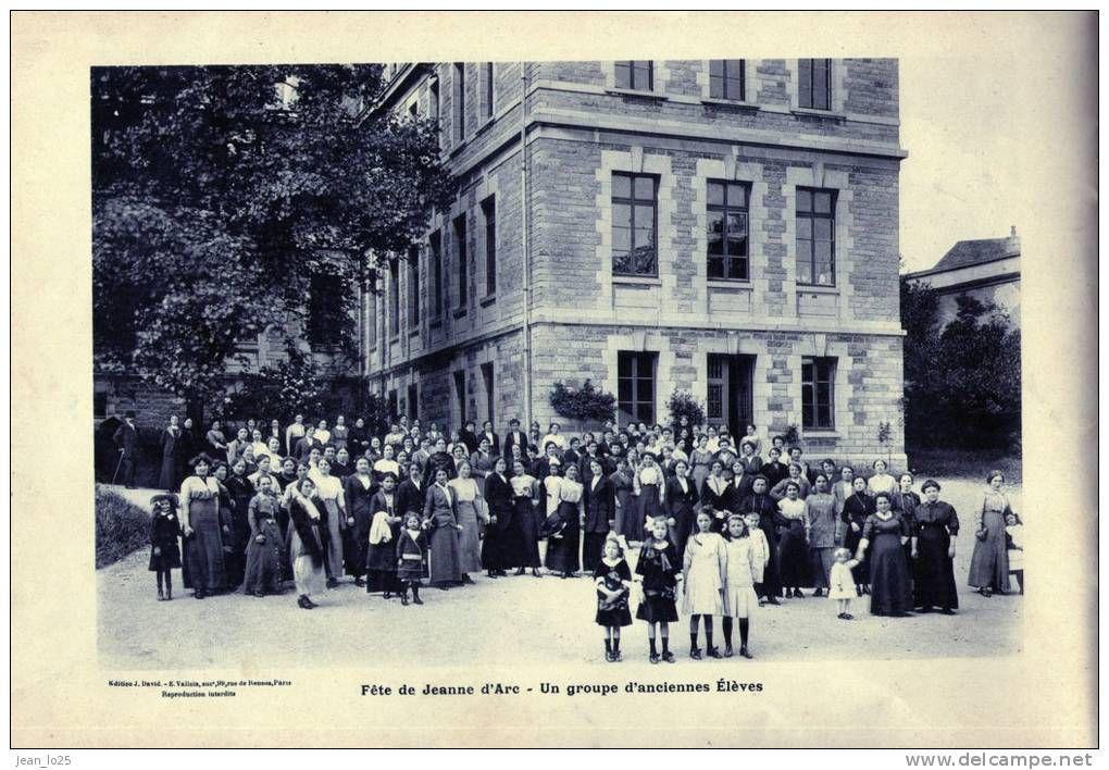 Ray sur Saône.14- L'Ecole et la Mairie.