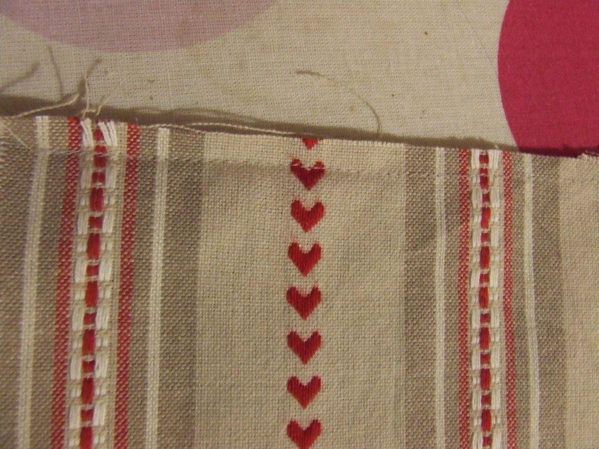 Faire une couture sur deux côtés sur l'endroit du tissu pour former une poche