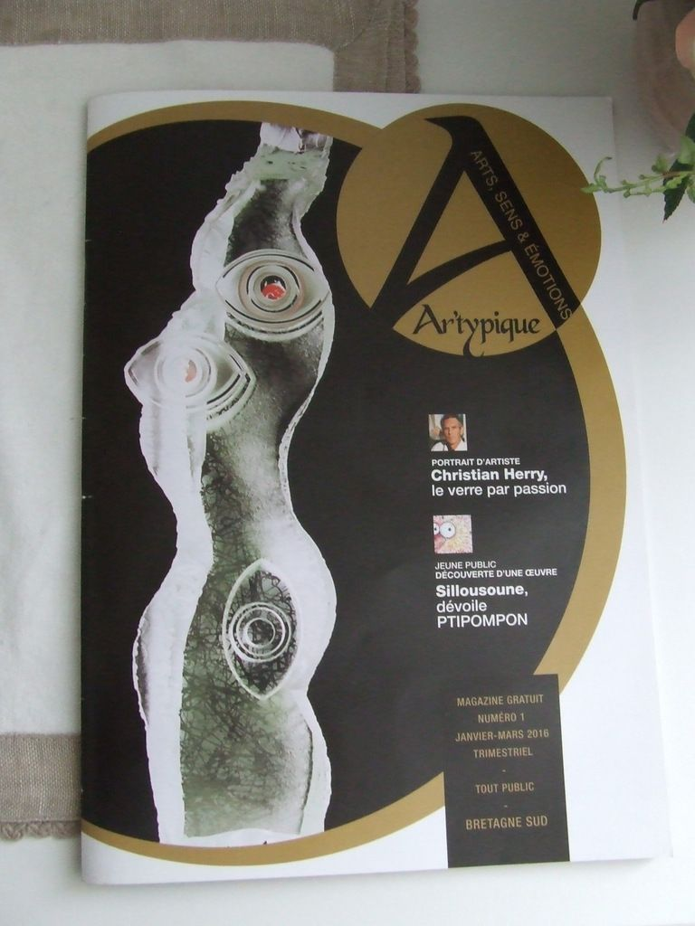Ar'Typique Magazine...